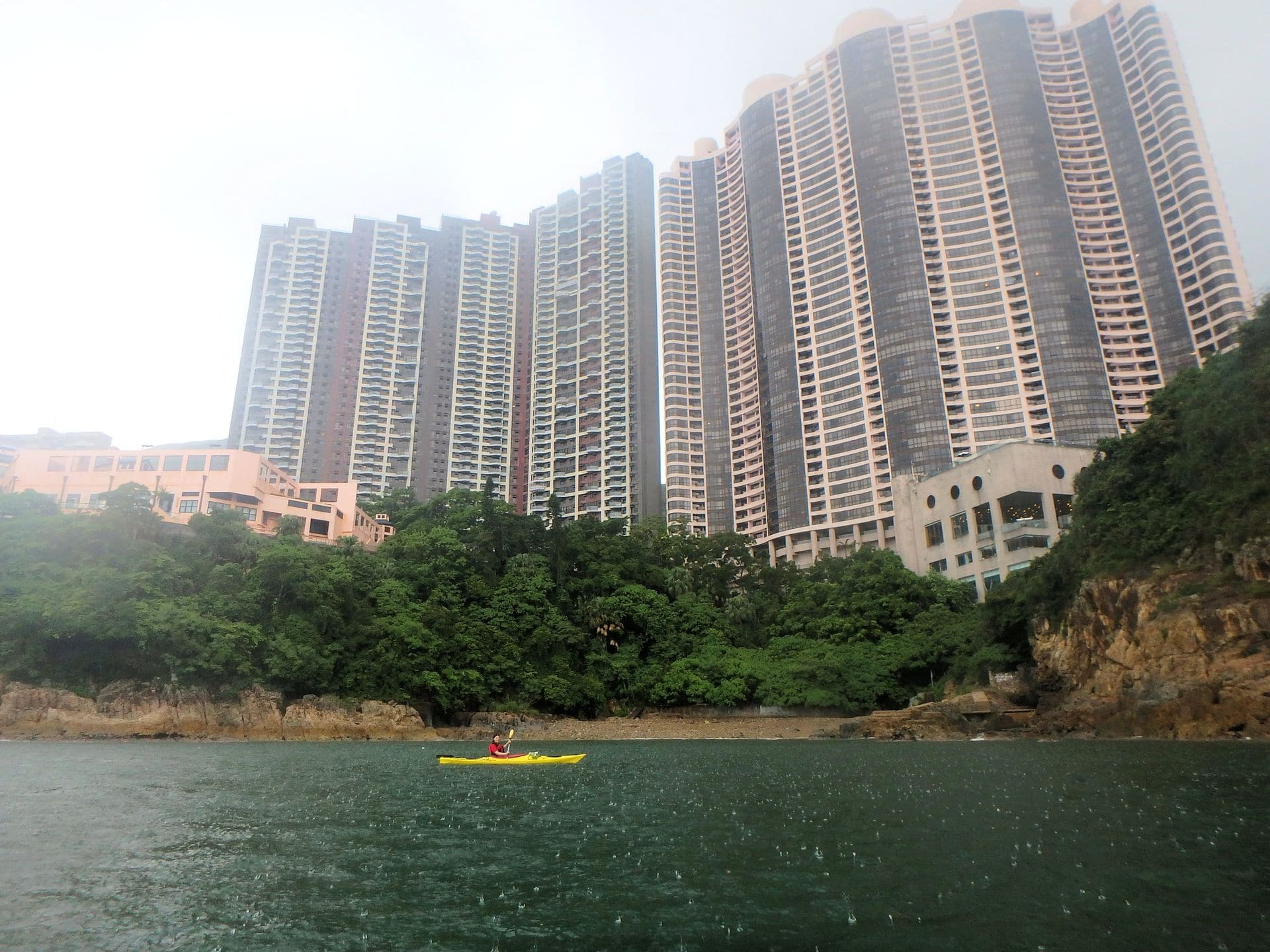 sea kayaking Tai Tam Bay, Hong Kong
