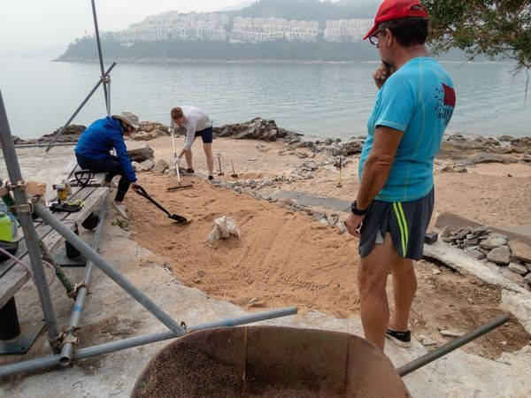 05 Jan 2019 helping a friend Sea Kayak Hong Kong