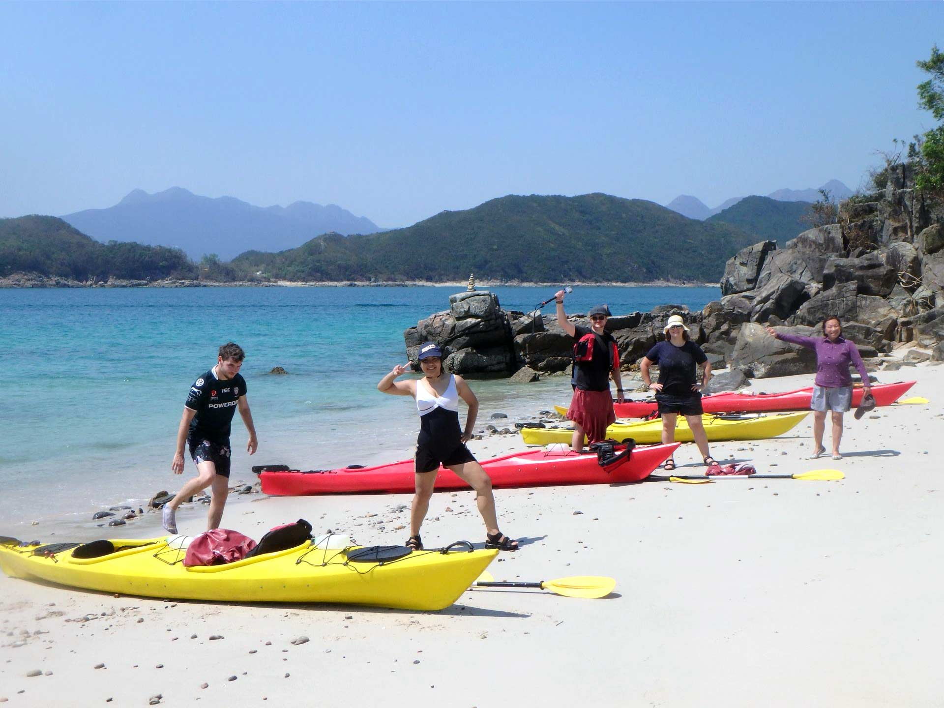 sea-kayak-UNESCO-geopark-beach-Hong-Kong