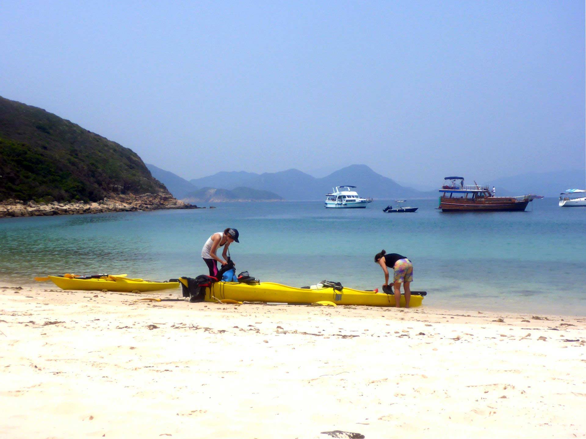 sea-kayak-UNESCO-geopark-beach2-Hong-Kong