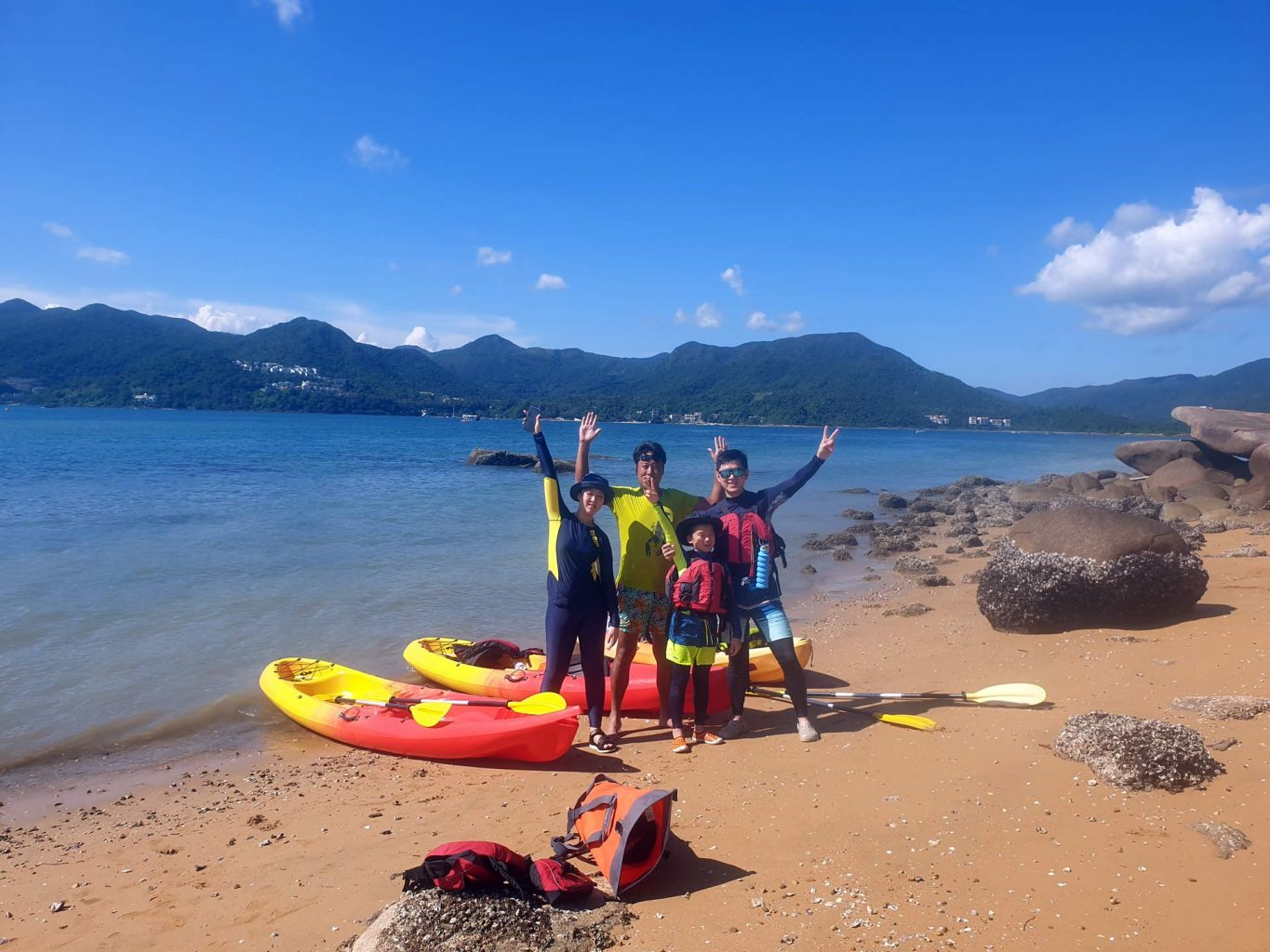 kayak to Sharp Island Hong Kong