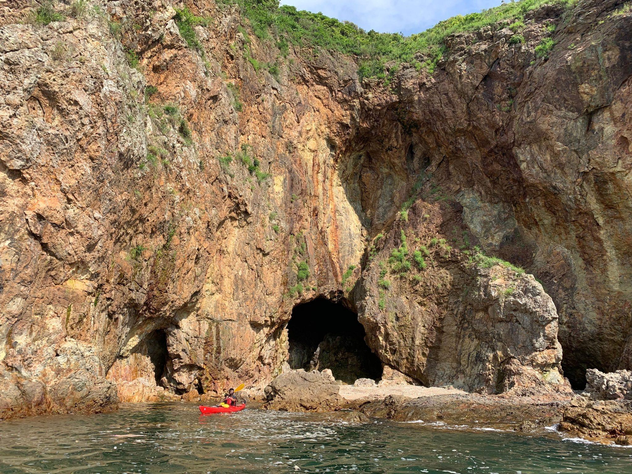 sea kayaking sai kung, hong kong