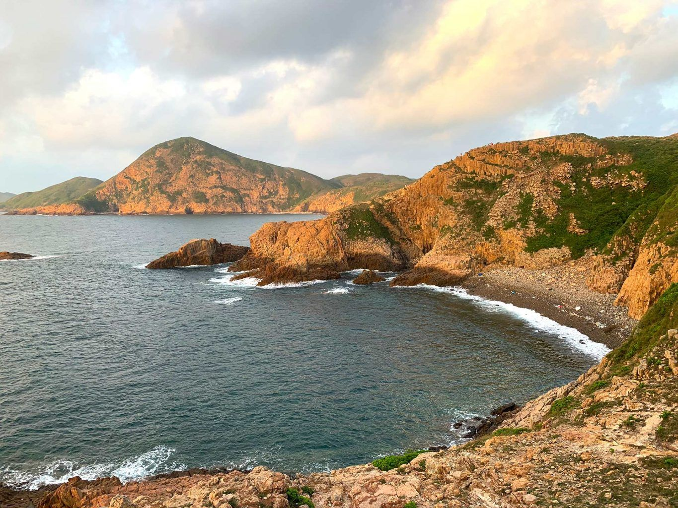 the rugged coastline of the UNESCO Global Geopark in Hong Kong